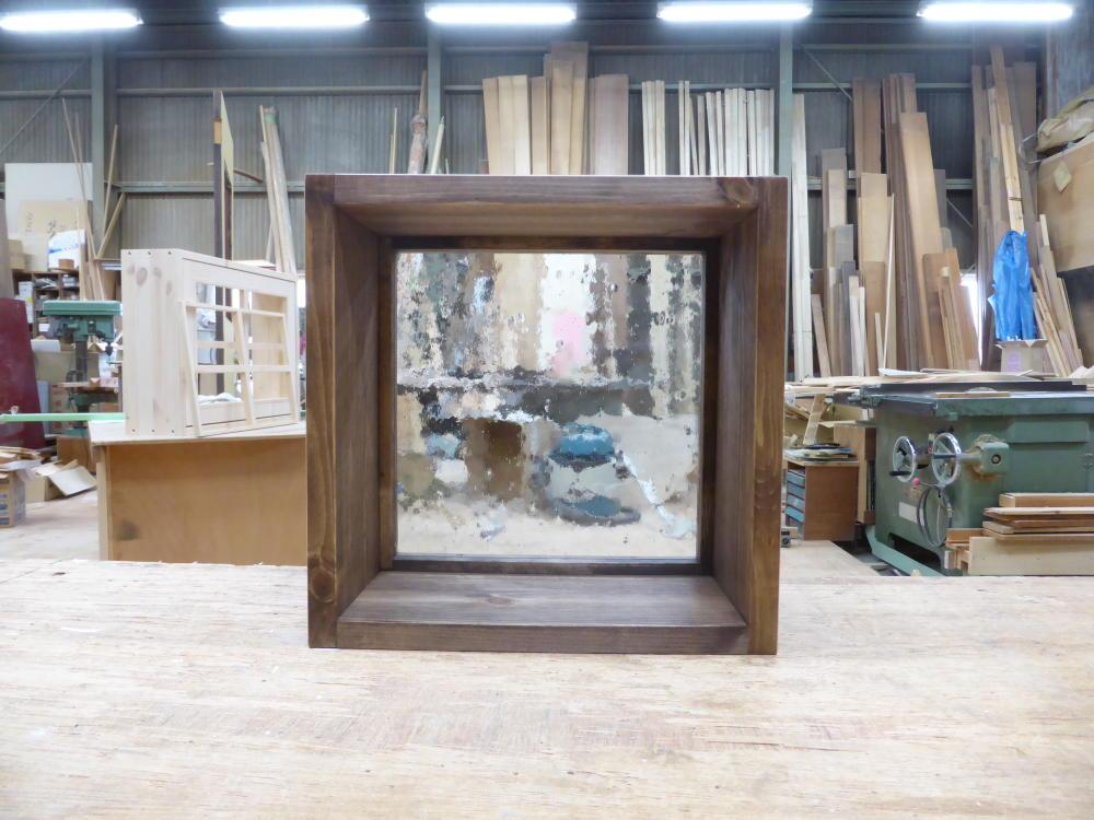 気泡ガラスのFIX窓-30×30(内側正面)