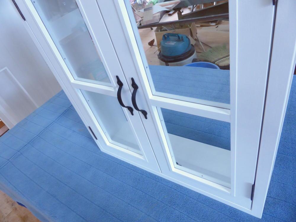室内窓(観音開き)・一文字格子・外側斜め上から・閉時