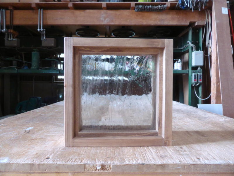 FIX窓・泡入りガラス(外側正面)