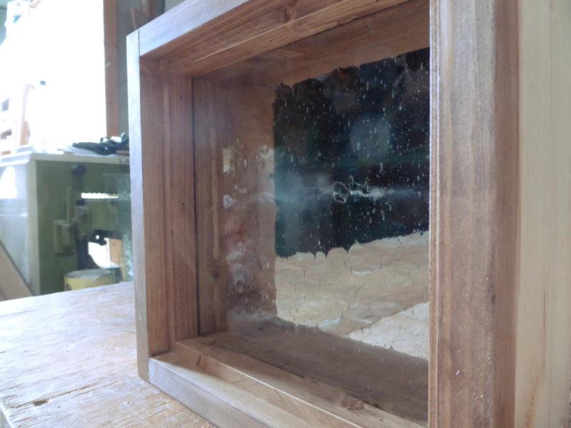 FIX窓・気泡ガラス(外側斜め正面)