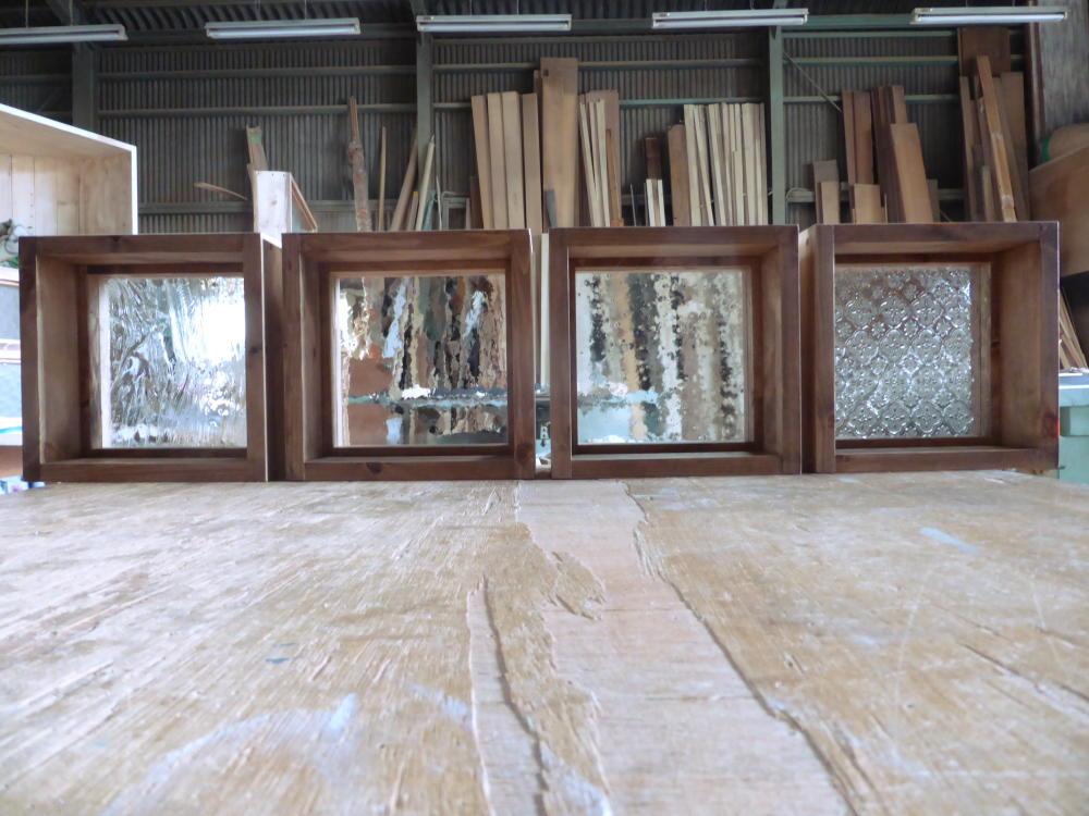 木製室内窓(FIX窓・オーダー)/左から、泡入りガラス・アーティスタガラス・気泡ガラス・フローラガラス(内側正面)