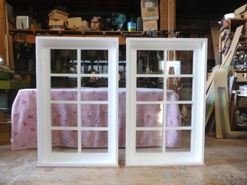 白色塗りつぶし仕上げの室内窓(FIX窓)幅75×高120