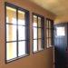 室内窓実例/黒色塗りつぶし仕上げの枠付きFIX窓-928