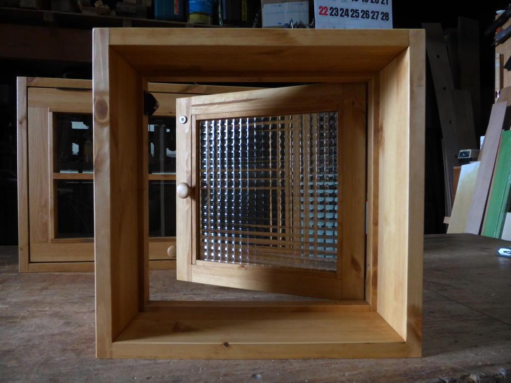 片開き窓(内側正面・半開2)