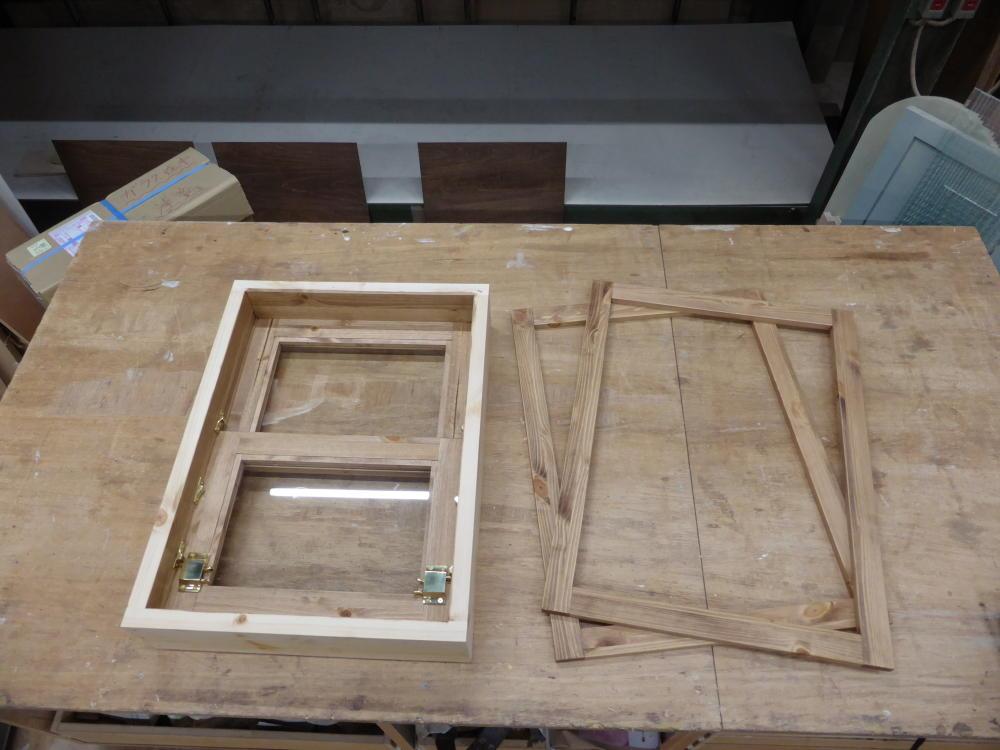 上げ下げ窓と飾り枠
