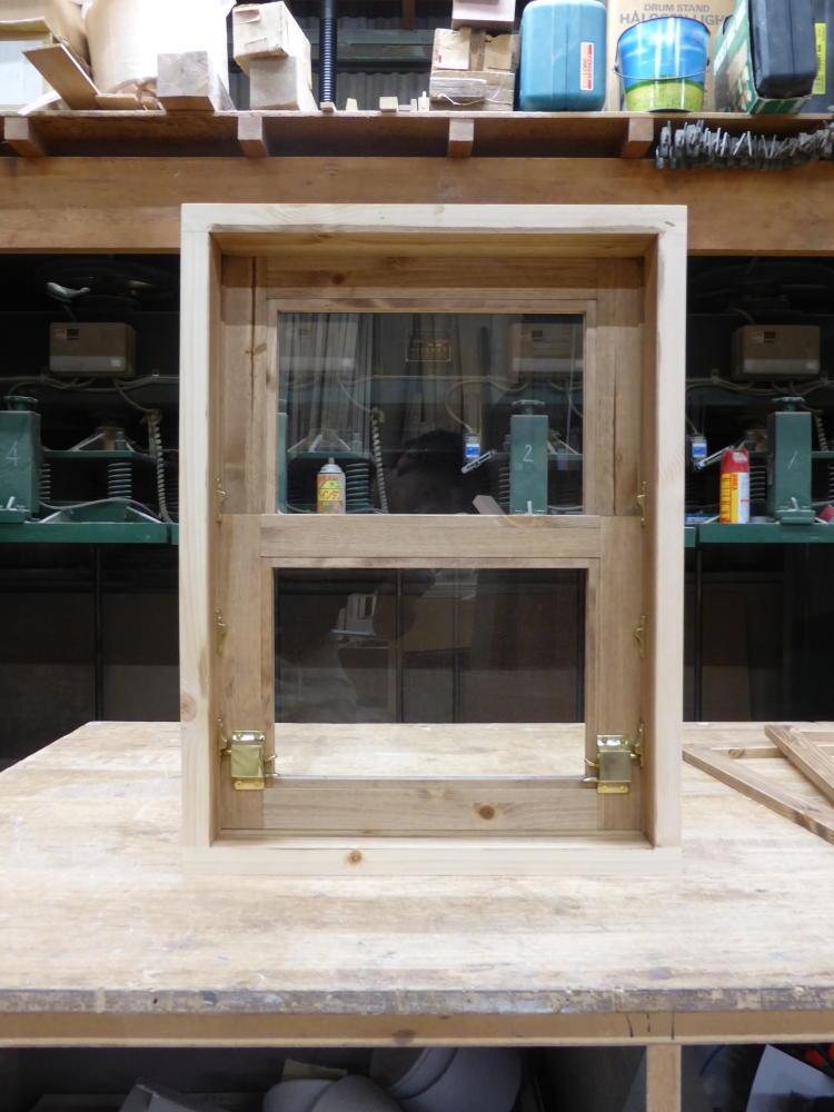 上げ下げ窓(内側全閉・飾り枠取り付け前)
