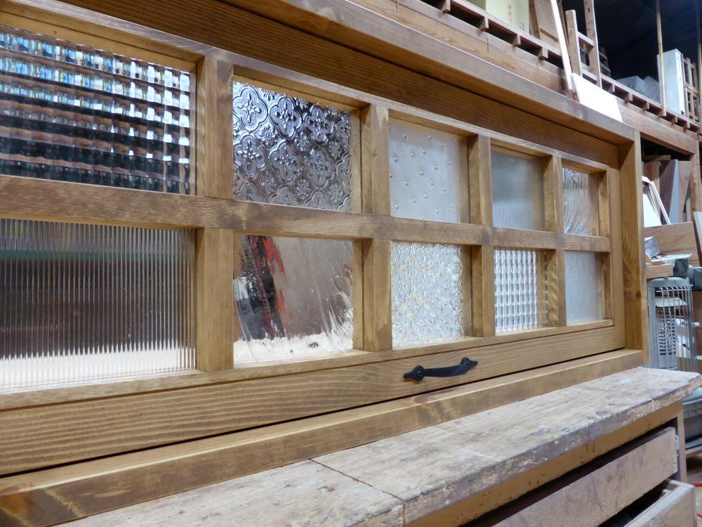 パッチワークガラスの滑り出し窓(オーダー)/okamoku