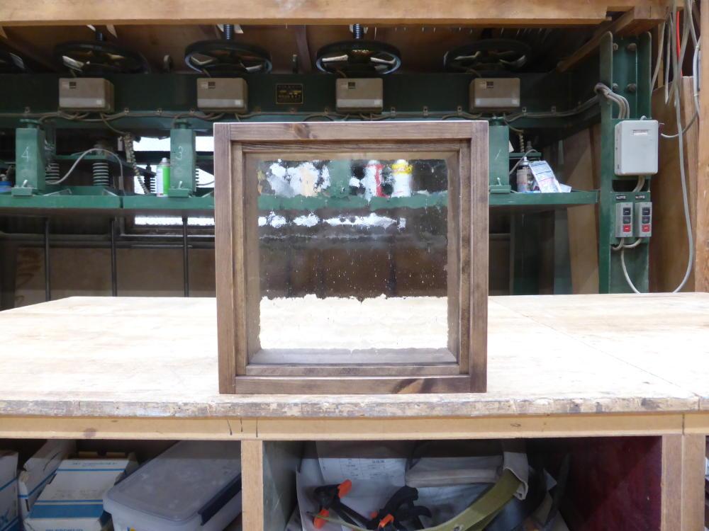 気泡ガラスのFIX窓-30×30(外側正面)