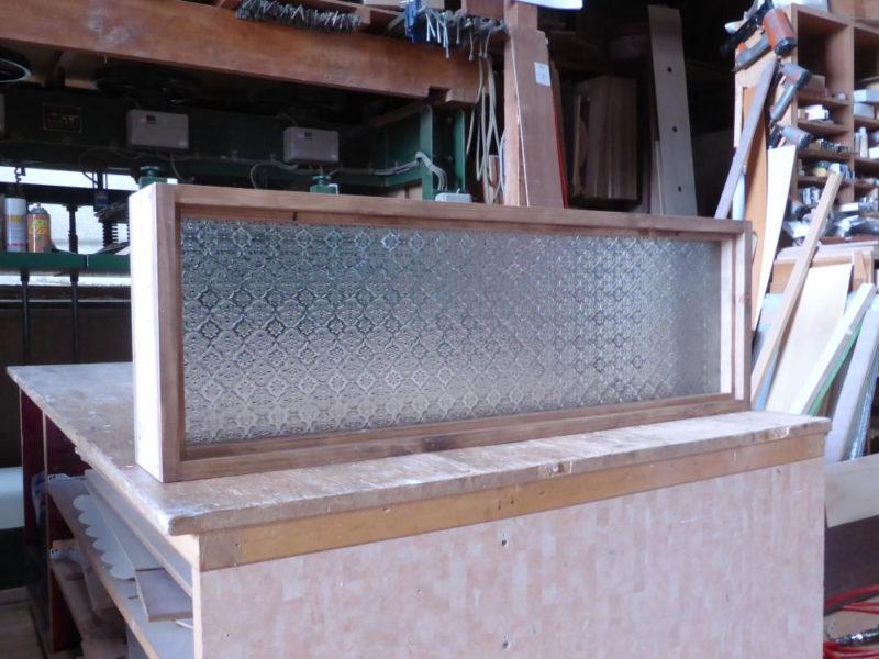 フローラガラスのFIX窓(外側斜め正面)