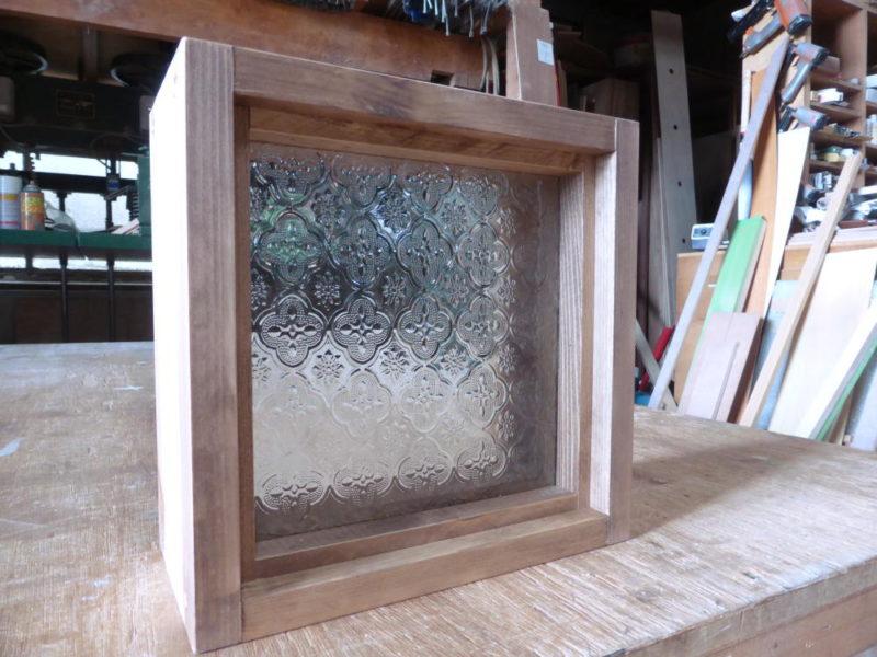 FIX窓・フローラガラス(外側斜め正面)