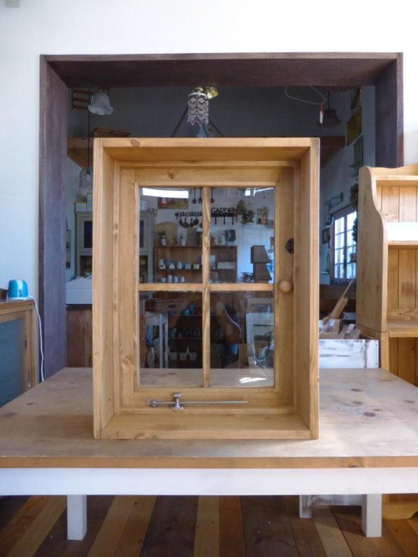 室内窓・片開き(内側正面、全閉)