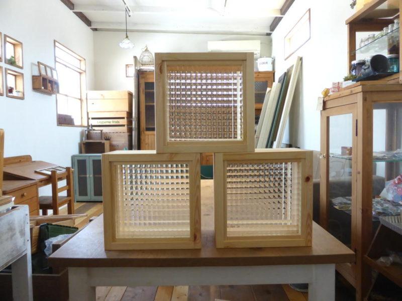 チェッカーガラスのFIX窓/室内窓のオーダーメイドokamoku