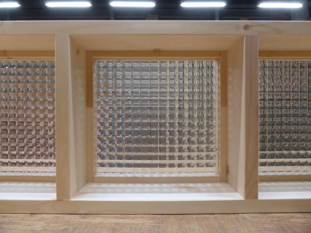チェッカーガラスのFIX窓(内面詳細2)
