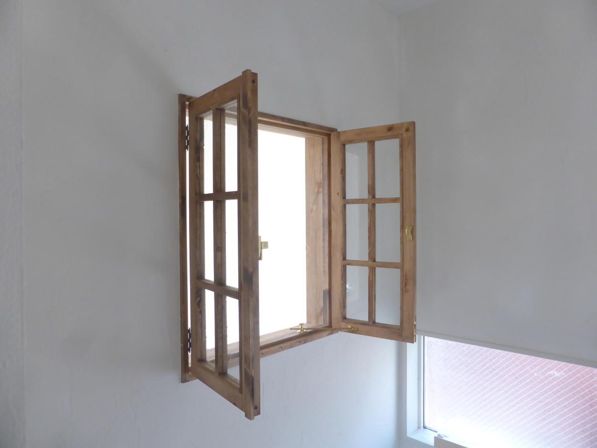 室内窓(観音開き窓)