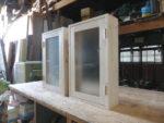 白色木目仕上げの片開き室内窓(簡易仕様+ステー)-1005