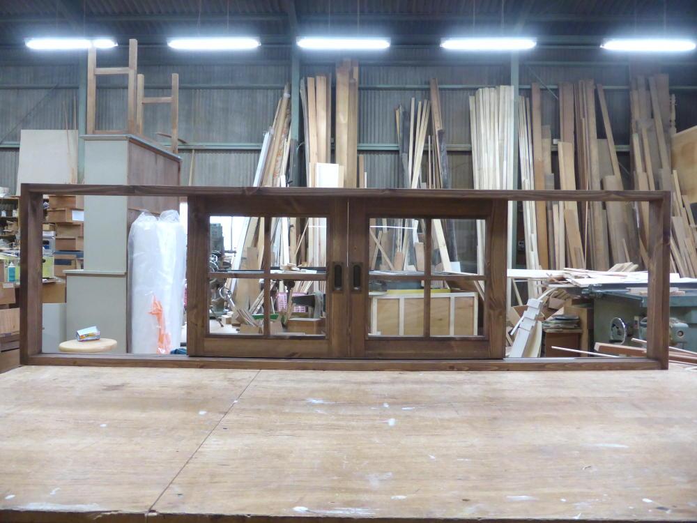 キッチン引き分け窓(外側正面)