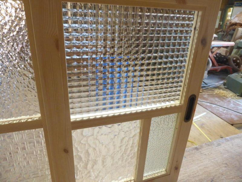 室内窓(チェッカーガラス)